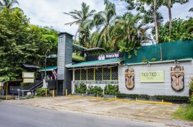 MANUEL ANTONIO Costa Rica - 0.4 ACRES – 12 Room Income Producing Boutique Hotel In A Great Location!!!!