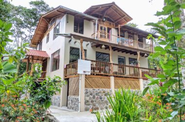 Mindo Ecuador - Riverside Family Home (or B&B!) in the Cloudforest