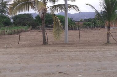 Puerto Lopez Ecuador - Residential land walking distance to the baech and town