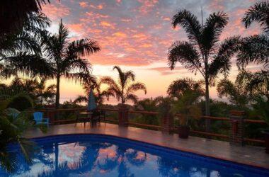 Puerto Lopez Ecuador - Villa Bella Vista: Stunning Oceanview with Top rental income.