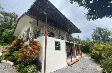 Boquete Panama - Terreno Con 2 Casas en Volcancito