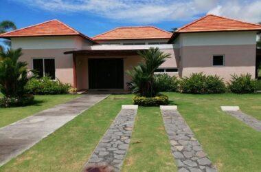 Costa Blanca Villas Panama - VILLA FOR SALE IN COSTA BLANCA DECAMERON